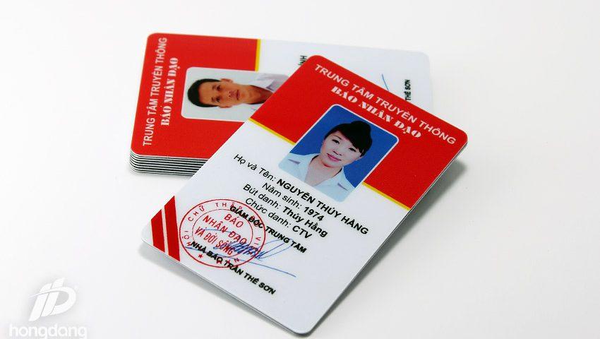 in thẻ nhân viên