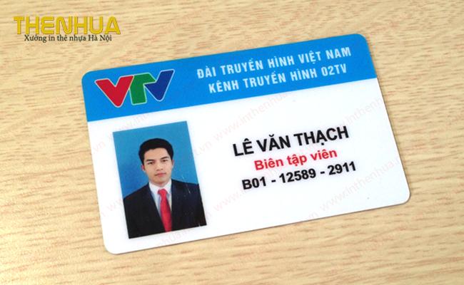 lam-the-nhan-vien-van-phong