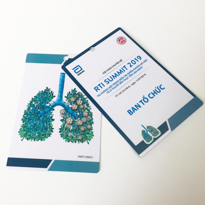 10 mẫu thẻ nhựa cho hội nghị/hội thảo nhé